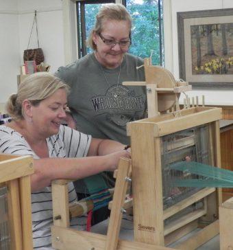Class 22 Beg Weaving Table Loom