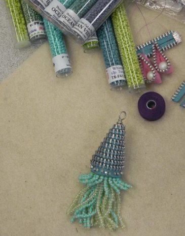 Anything Goes with Beads Zipper2
