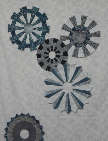 Dresden Plate Quilt at Sievers