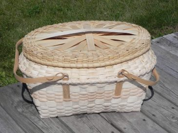 Winnebago Picnic Basket made in class