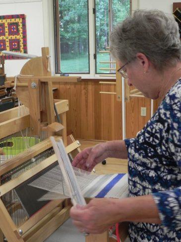 Beginning Weaving Table Loom1