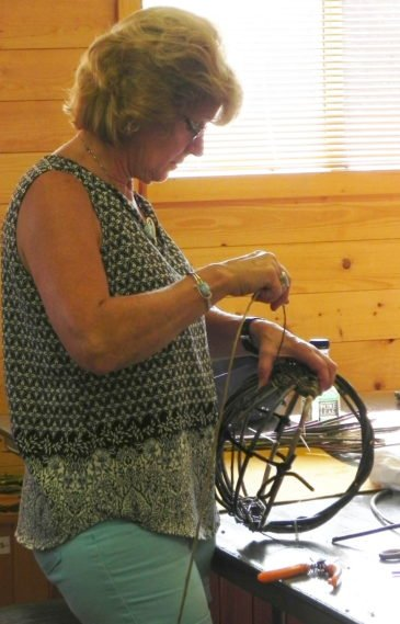Willow Basketry class1