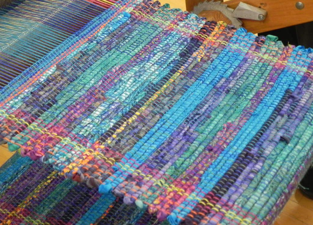 Rag Rug Weaving10 ...