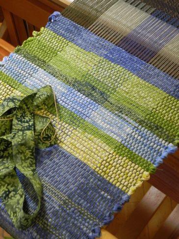 Rag Rug Weaving12