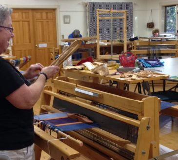 Rag Rug Weaving2