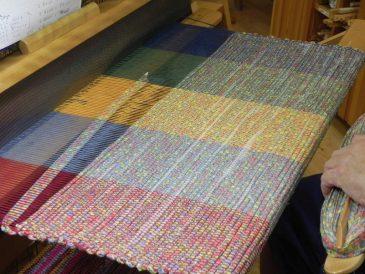 Rag Rug Weaving9