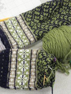 Latvian Mitten Knitting3