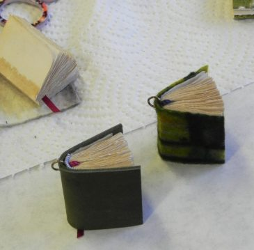 Tiny Book Necklaces3